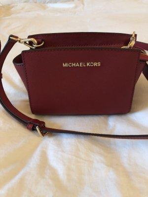 Dunkelrote kleine Michael Kors Tasche