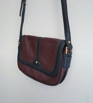Dunkelrote / Weinrote Handtasche von Zara