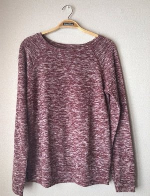 Dunkelroter Pullover