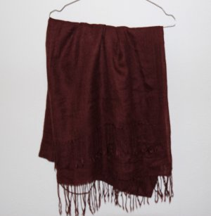 Dunkelroter Schal