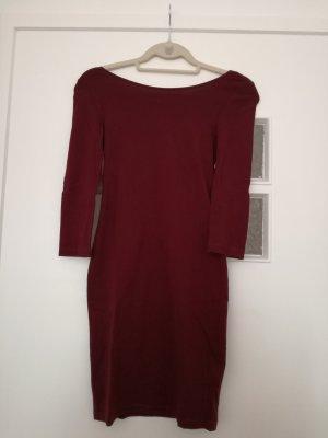 dunkelrotes Jerseykleid mit Rückenausschnitt von H&M Basic