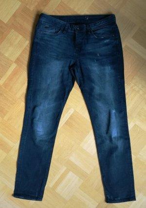 Dunkle Jeans mit Used-Details (Esprit)