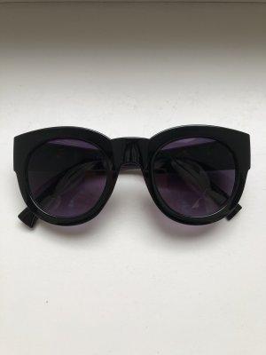 Dunkle Sonnebrille