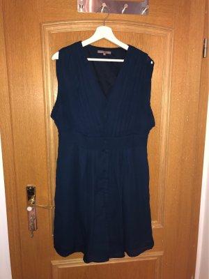 Durchgeknöpftes Kleid