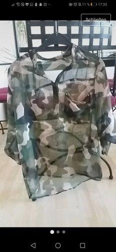 Durchscheinende Bluse in Tarnfarben