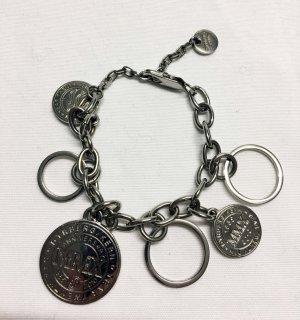DYRBERG/KERN Statement Jubiläums-Bettelarmband mit Münzen in Silber. Selten!