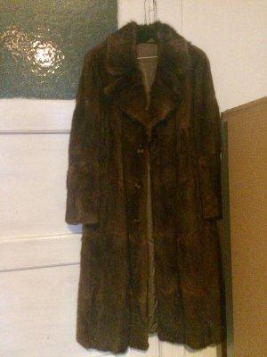 Manteau de fourrure brun foncé-brun