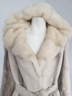 Veste de fourrure gris clair