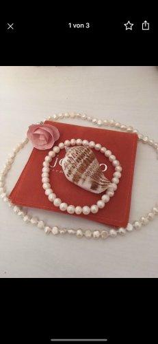 Collier de perles blanc-crème