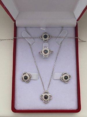 Echt Silber 925 Neu mit Verpackung hochwertig