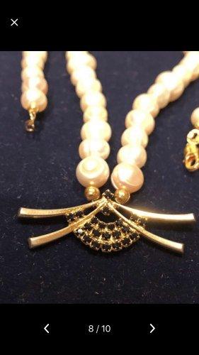 Collier de perles blanc-bleu cadet