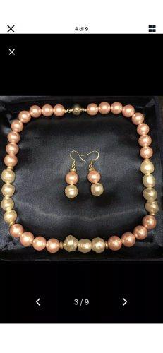 Collana di conchiglie crema-color oro rosa