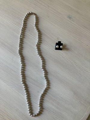 Echte Perlenkette mit passenden Ohrringen