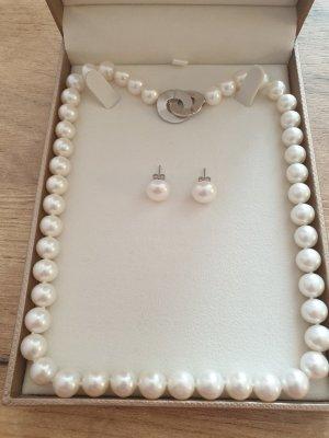 Echte Süßwasser Perlen - Set - Halskette & Ohrringe