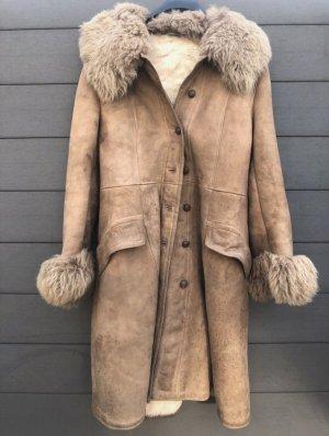 Futrzany płaszcz camel-brązowy