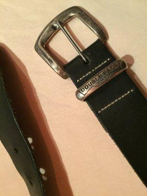 Cinturón negro-color plata