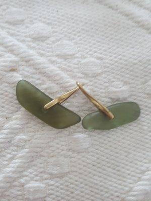 Orecchino a pendente oro-verde oliva