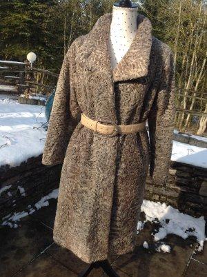 Manteau de fourrure gris brun fourrure