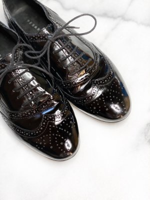 Pesaro Wingtip Shoes black leather