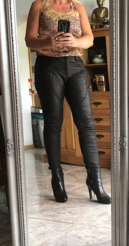 Neil Barrett Pantalón de cuero negro