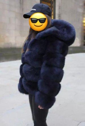 Manteau de fourrure bleu foncé