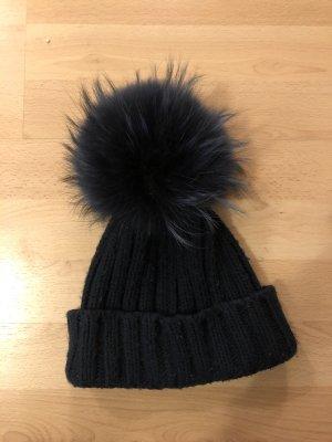 Cappello con pon pon blu scuro