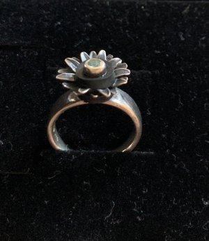 Echtsilber-Ring Charlotte mit Blüte und Zirkonia von Eigner Schwarz 1876