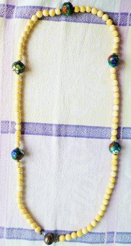 Echtsteinkette mit dekorativen Emailkugeln gefädelt auf Silberkette
