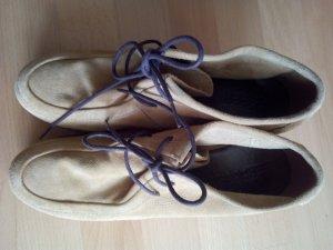 edc by Esprit Chaussures à lacets brun sable