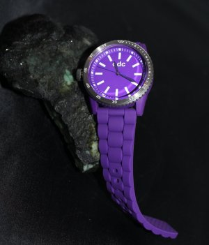 EDC Esprit Damen Armbanduhr lavendel Lila Neu
