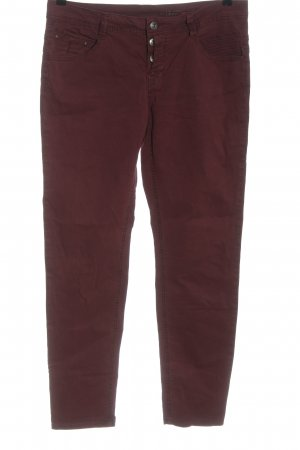 edc pantalón de cintura baja rojo look casual