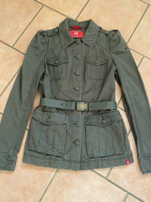Edc Jacke im Militärstyle