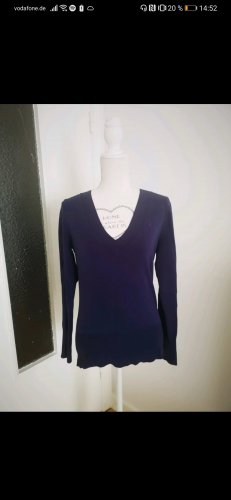 edc: Lila Basic-Pullover mit V-Ausschnitt