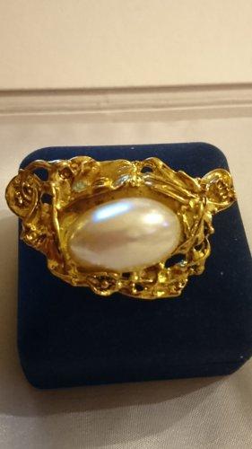 Edel Goldfarbe Brosche mit Perle