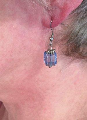Edel Stahl-Schmuck: Ohrringe mit blauem Würfel
