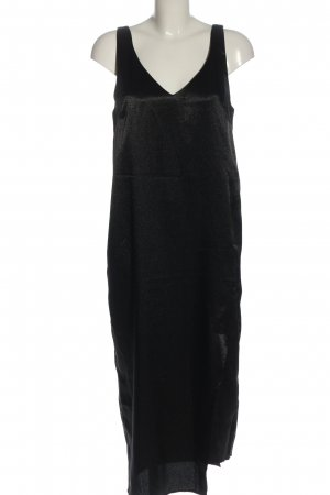 Edited Pinafore dress black casual look