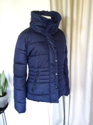 Edle leicht glänzende MANGO Casual Steppjacke dunkelblau mit Schwarz und großem Kragen Winterjacke Parka