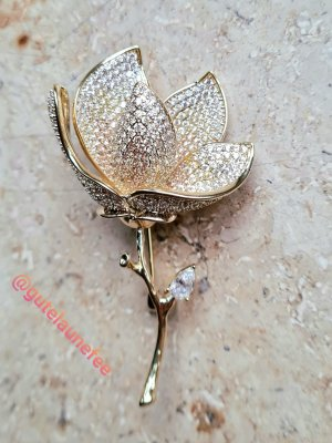 Edle luxus Brosche Rose Blume echte Zirkonia 14k (585) vergoldet echte Juwelierarbeit
