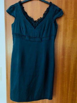 Edle Madeleine Little Black Dress