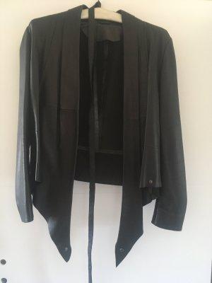 Edle schwarze Lederjacke aus feinem Lammleder von les petites