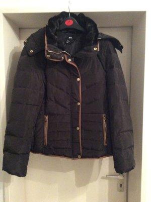 edle Winterjacke in khaki von H&M
