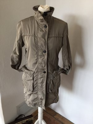 Cinque Abrigo corto marrón grisáceo-gris verdoso