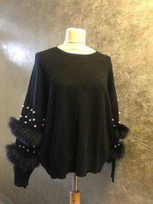 edler neuer Pullover schwarz Gr. S Perlen und Fell