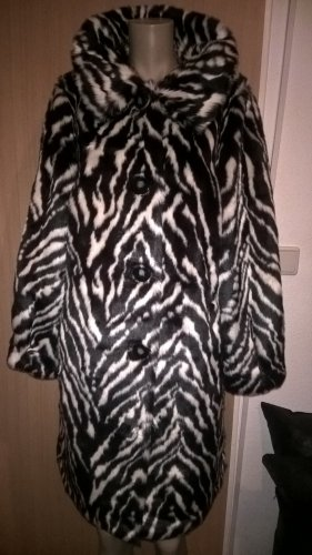 Brian Rennie Fake Fur Coat black-white polyacrylic