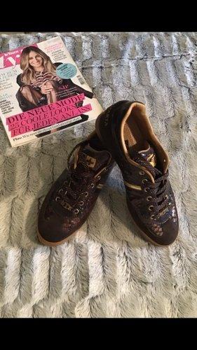 Edler Sneaker Gr. 40