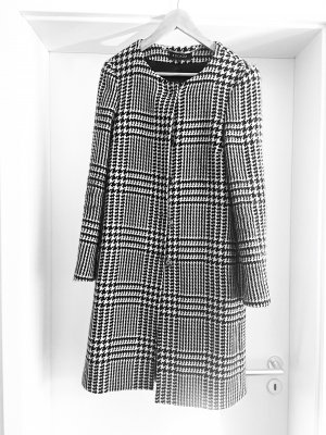 Escada Wool Coat white-black
