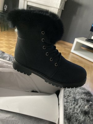 Edles Design Stiefelette Boots warm gefüttert Gr 39 neu