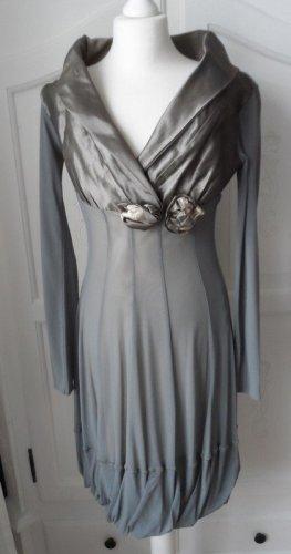 Kosmika Vestido de noche gris tejido mezclado