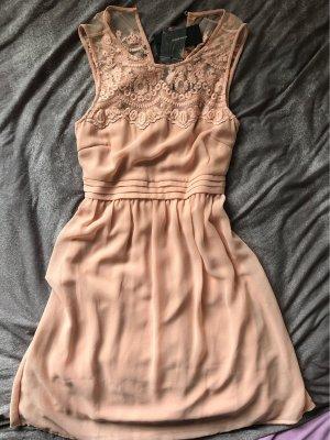 edles Kleid mit Spitze