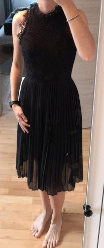 Edles Plissee Kleid mit Spitze